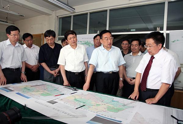 陈雷刘伟平到甘肃省水利水电设计勘测研究院调最新东北房屋的农村设计图片