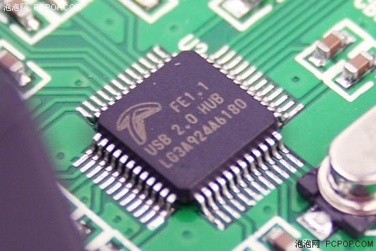 科技 正文    因为要承担音频信号,键盘控制信号以及usb hub的数据