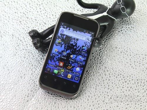 安卓/外观时尚功能全面 华为C8650售价870元