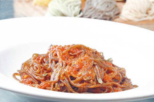 番茄橄榄银鱼酱Puttanesca Sauce