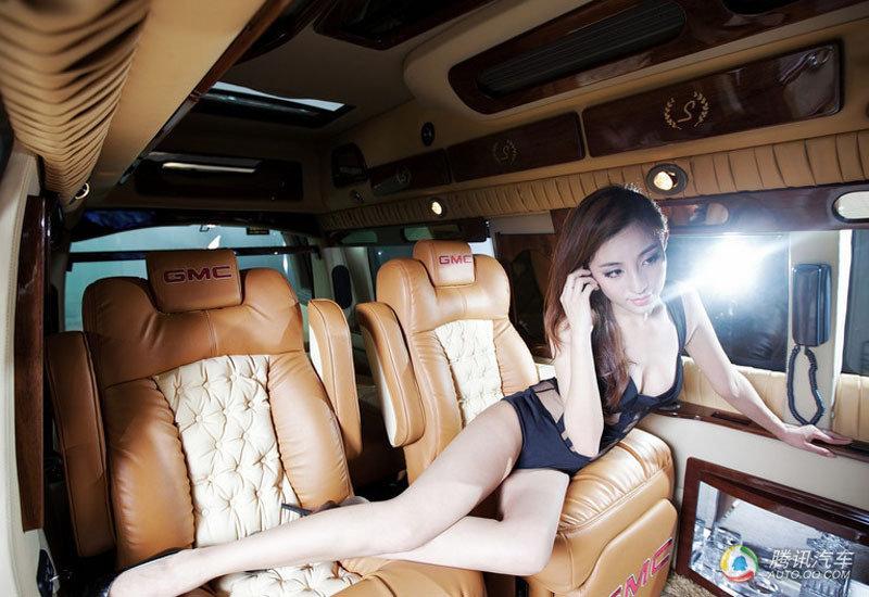 高清:性感天使美女 从奢华房车中午后梦醒 汽车