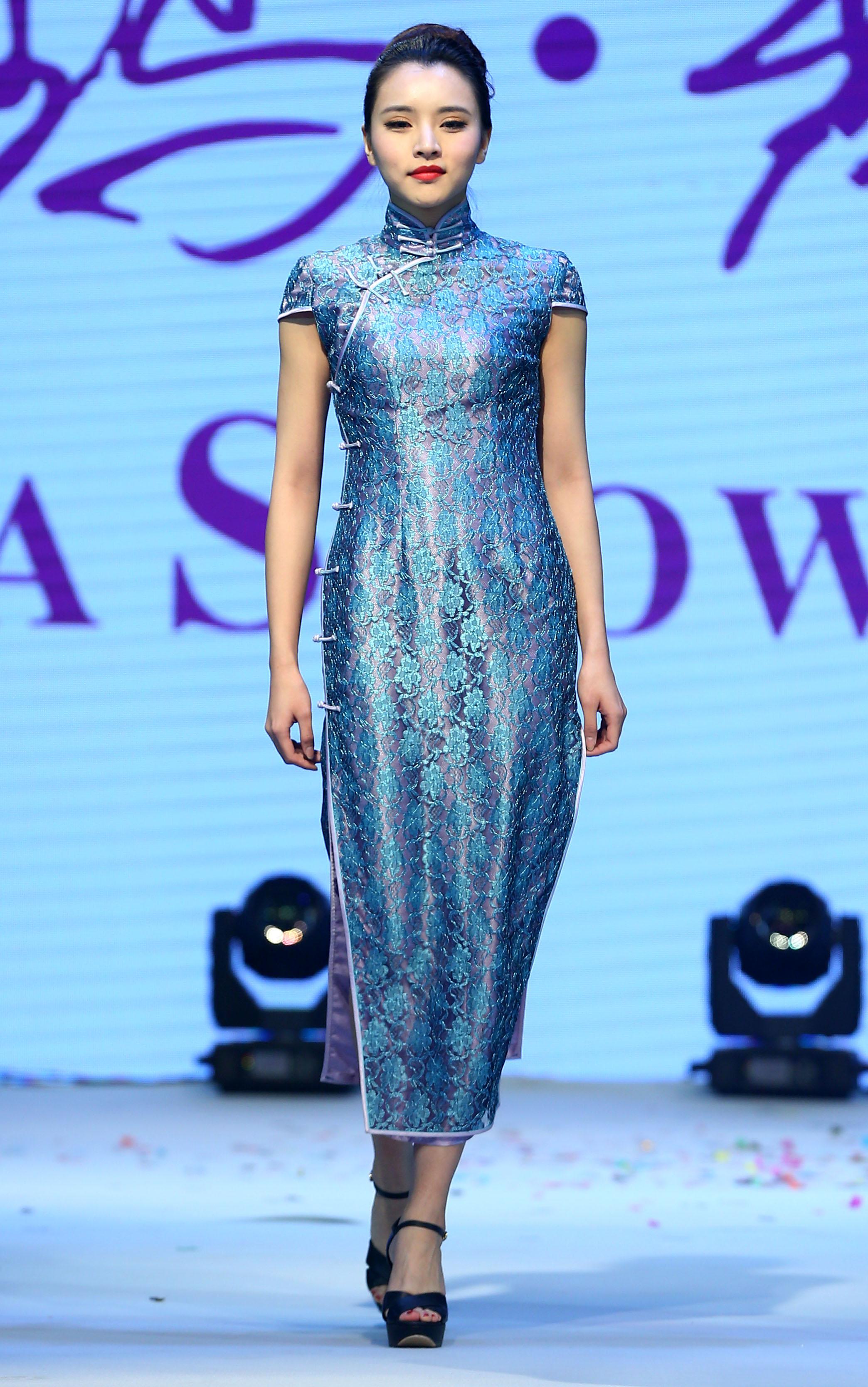 青岛本土时装设计师联合秀在青岛国际服装产业城举行