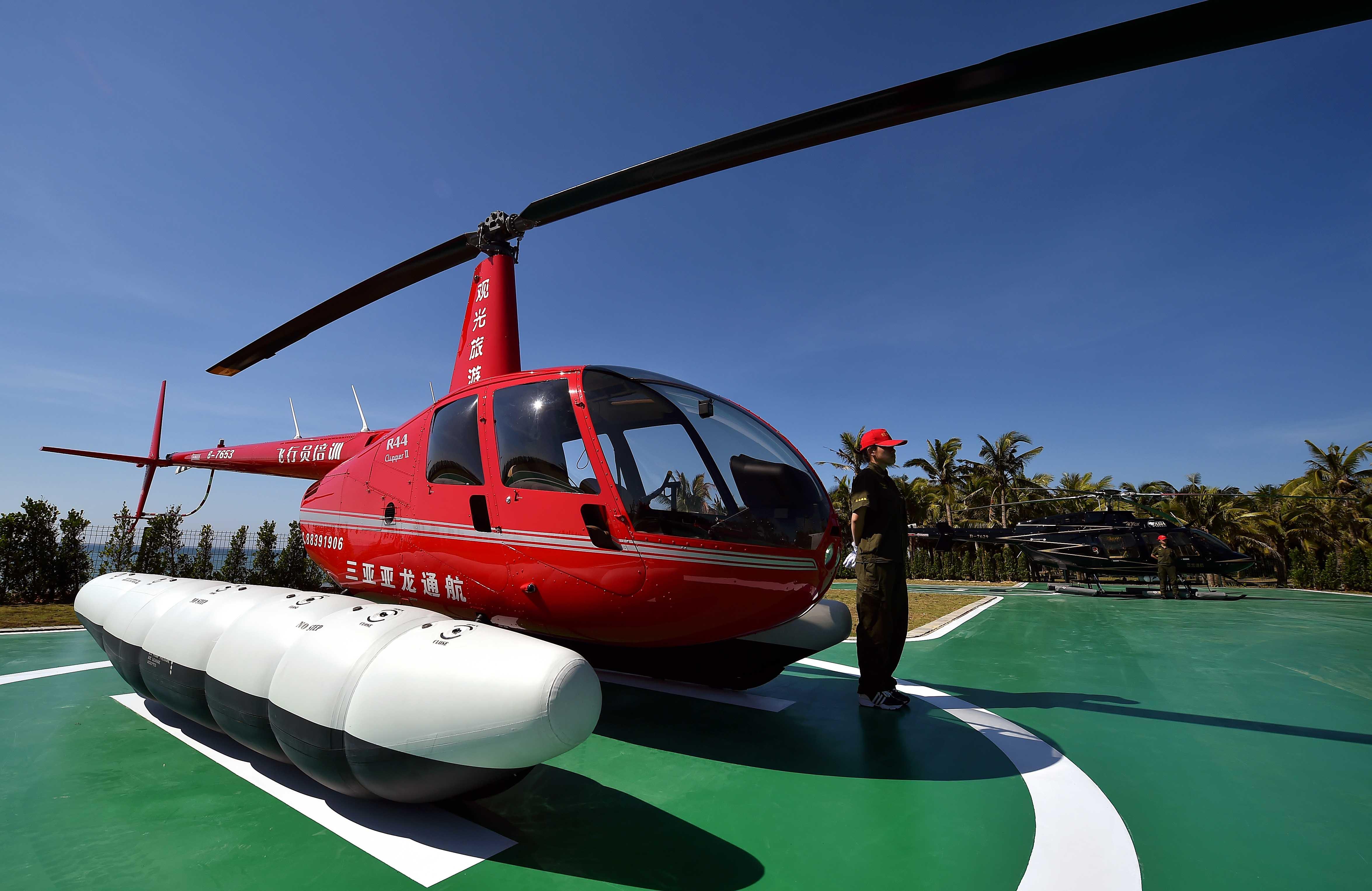 博鳌至海口,博鳌至三亚往返航线正式开通,游客可乘坐直升飞机从空中